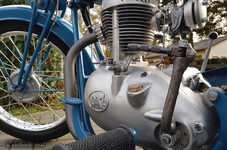 Automoto-150ch-motorblok-links-na-restauratie