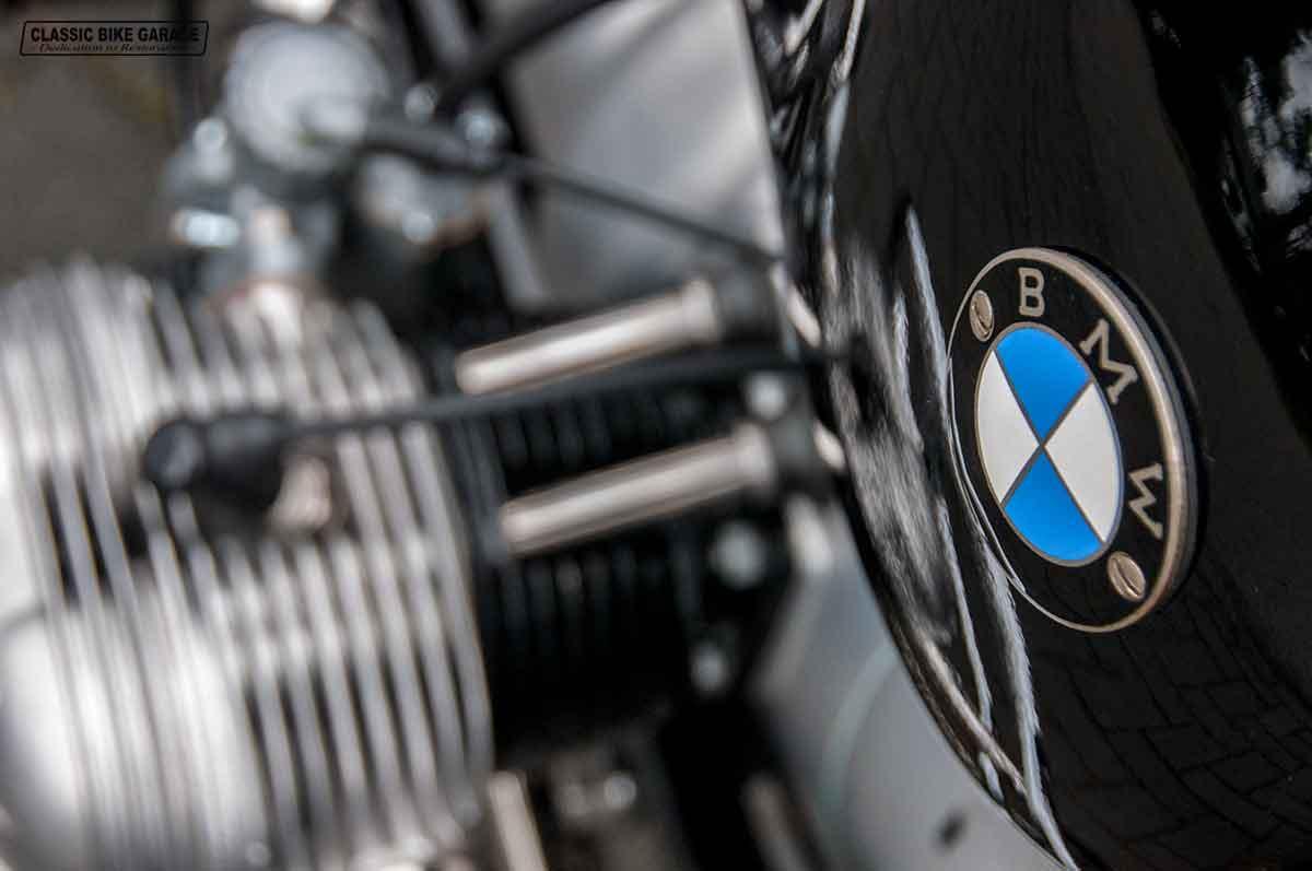 BMW-R50-2-rechter-cilinder-logo