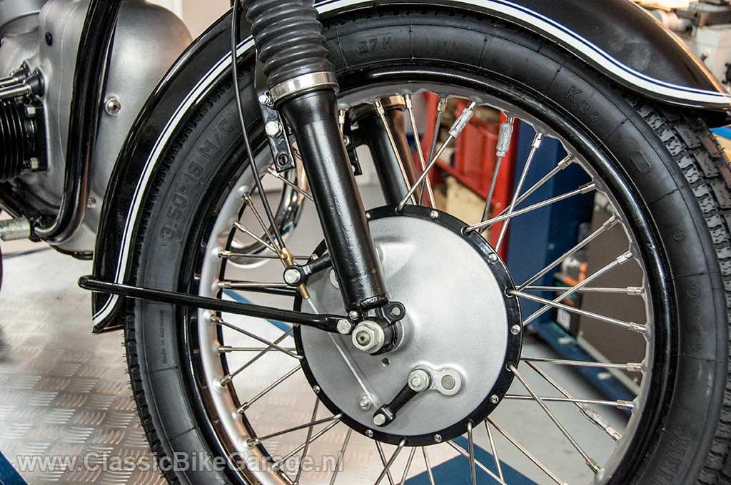 BMW-R51-3-Voorwiel-en-voorrem