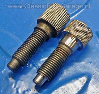 BMW-R51-3-Gasschuifstelschroeven-gelijk-gemaakt