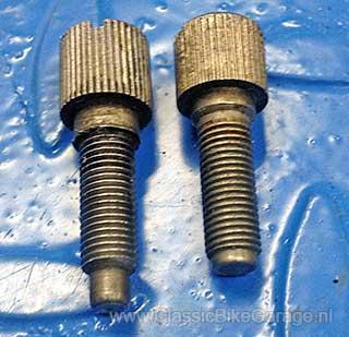 BMW-R51-3-Gasschuifstelschroeven-ongelijk
