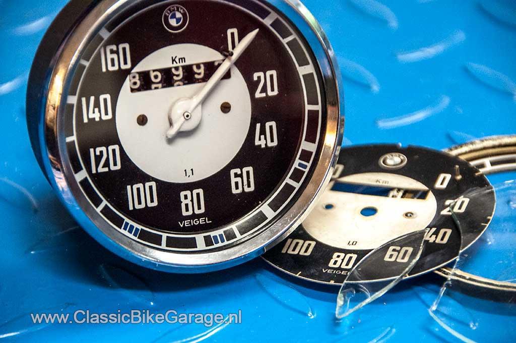 BMW-R51-3-Kilometerteller-gerepareerd
