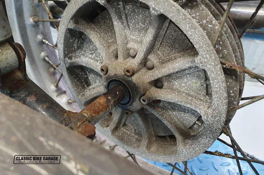 BMW-R60-7-achterwiel-oud
