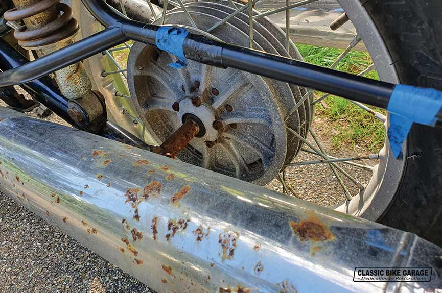 BMW-R75-6-achterwiel-binnenkomst