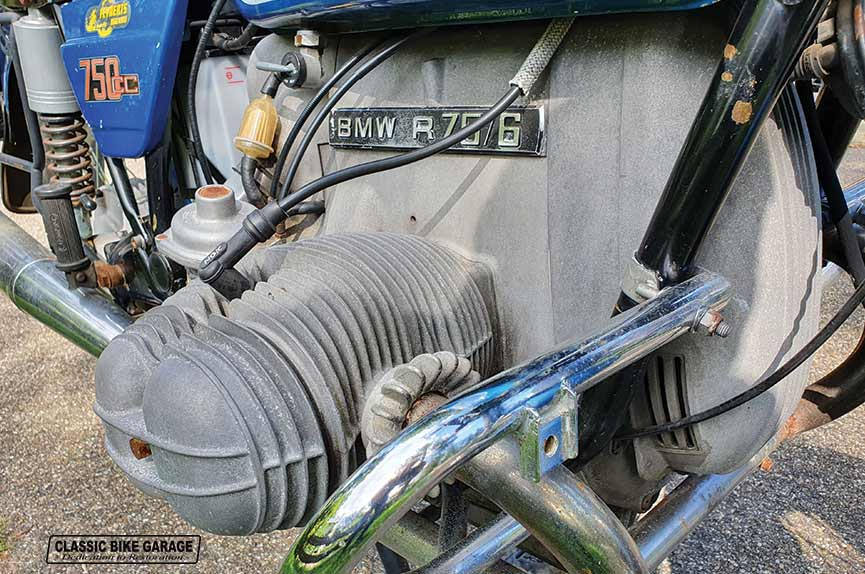 BMW-R75-6-rechtercilinder-binnenkomst