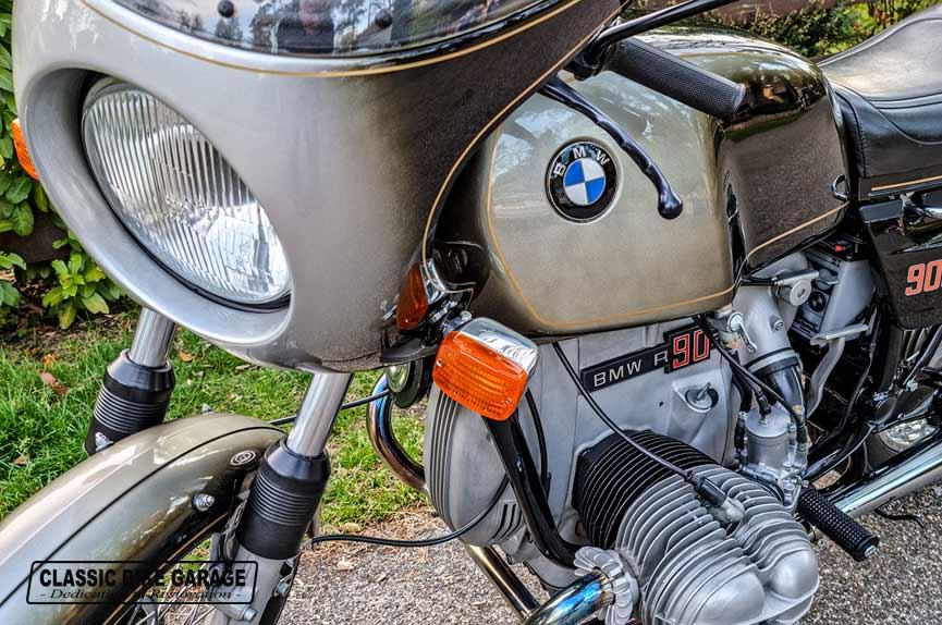 BMW-R90s-rauchsilber-linksvoor