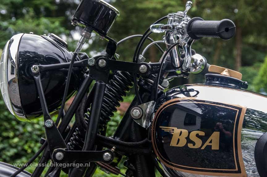 BSA-M20-Koplamp-en-kilometerteller