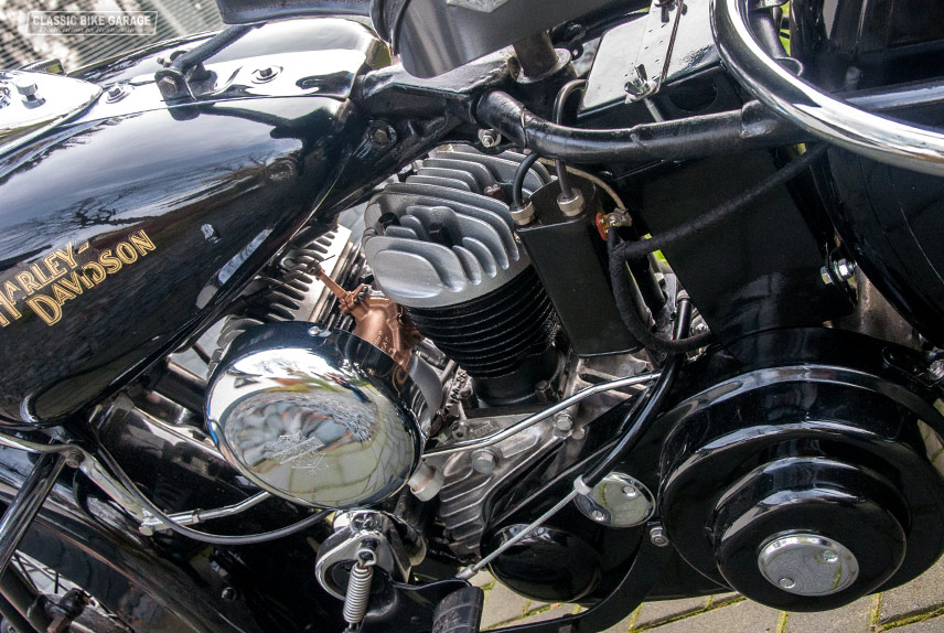 Harley-Davidson-WLA-motorblok-links2