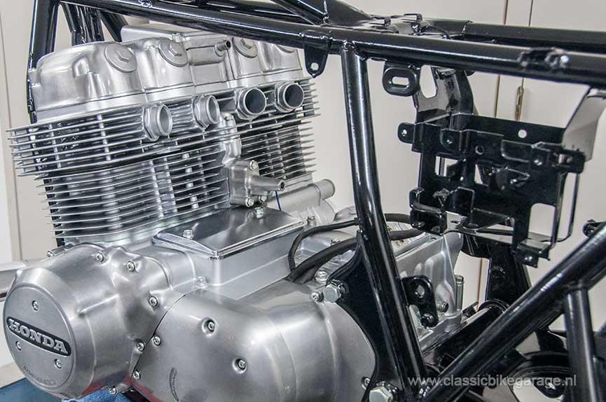 Honda-CB750K7-blok-in-frame2-S