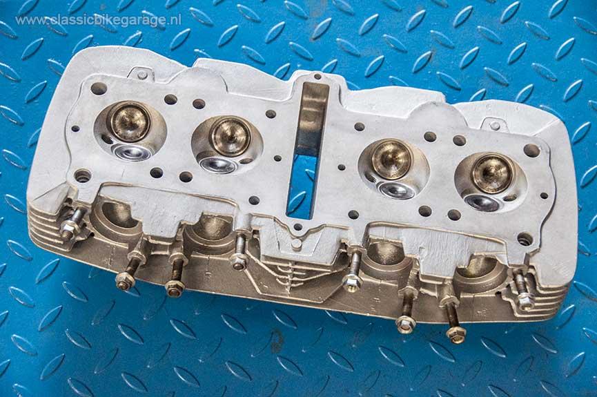 Honda-CB750K7-cilinderkop-S