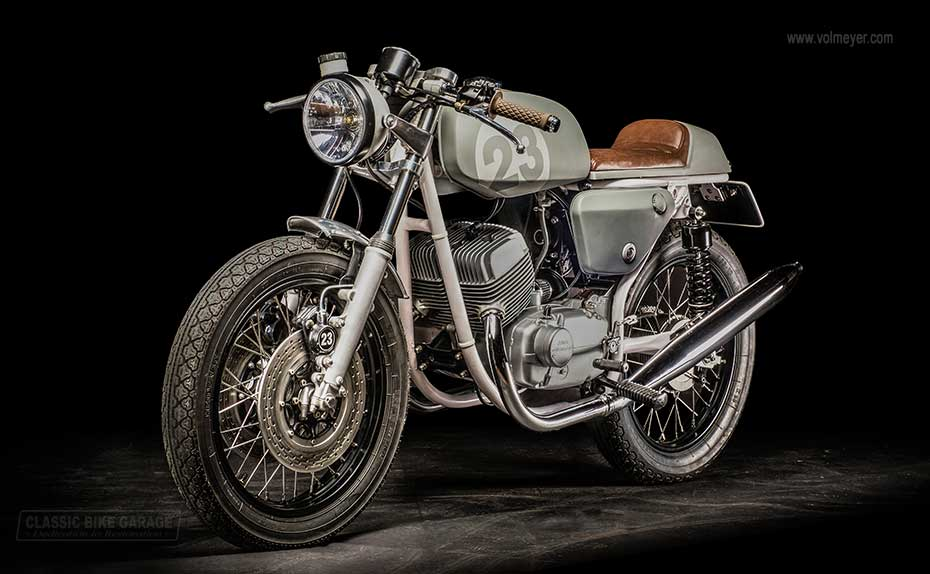 Jawa-caferacer-linksvoor