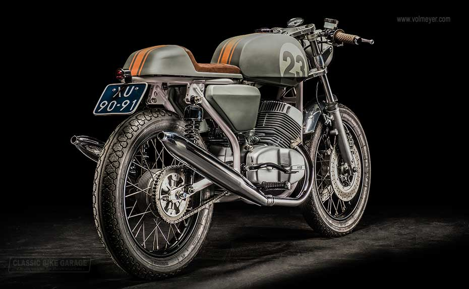 Jawa-caferacer-rechtsachter