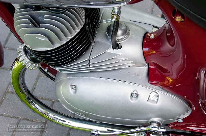 Jawa-350-motorblok-links