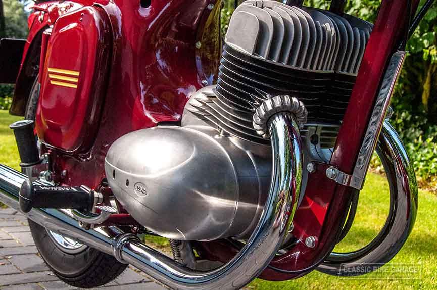 Jawa-350-motorblok-voorkant