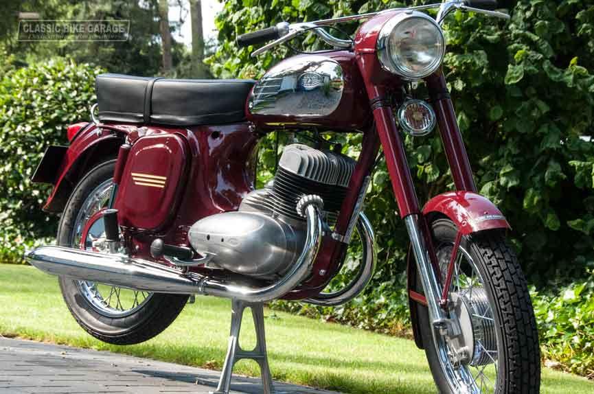 Jawa-350-rechts