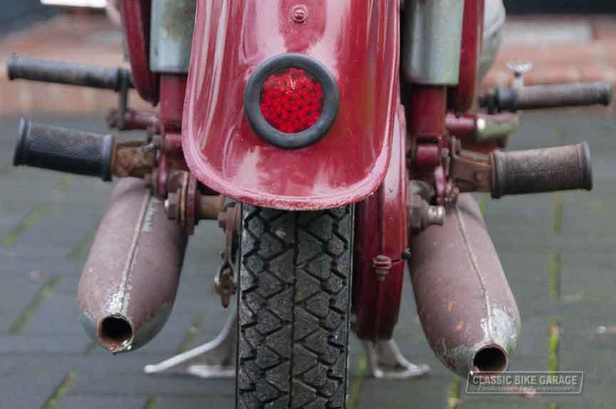 Jawa-350-uitaten-oud