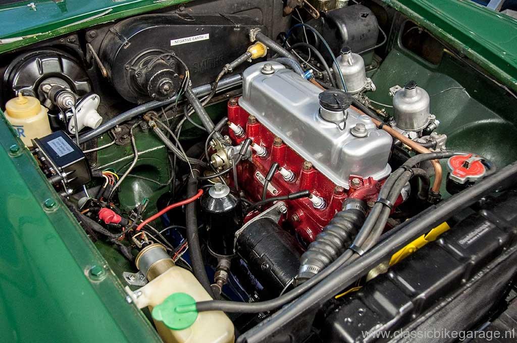 mgb-1964-engine-bay