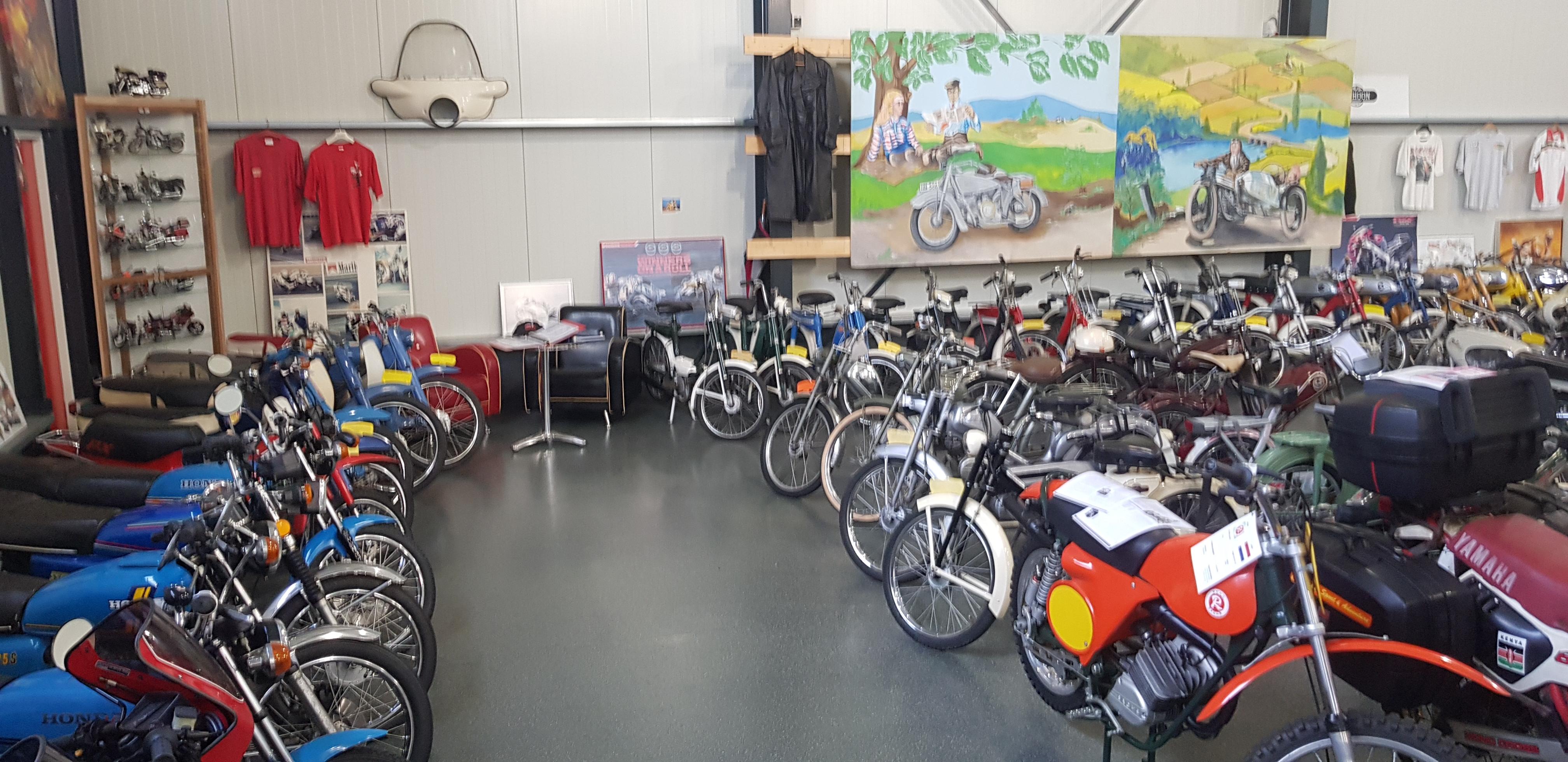 Brommer-en-motormuseum-Wigchers - Schoonoord-Honda-hoek
