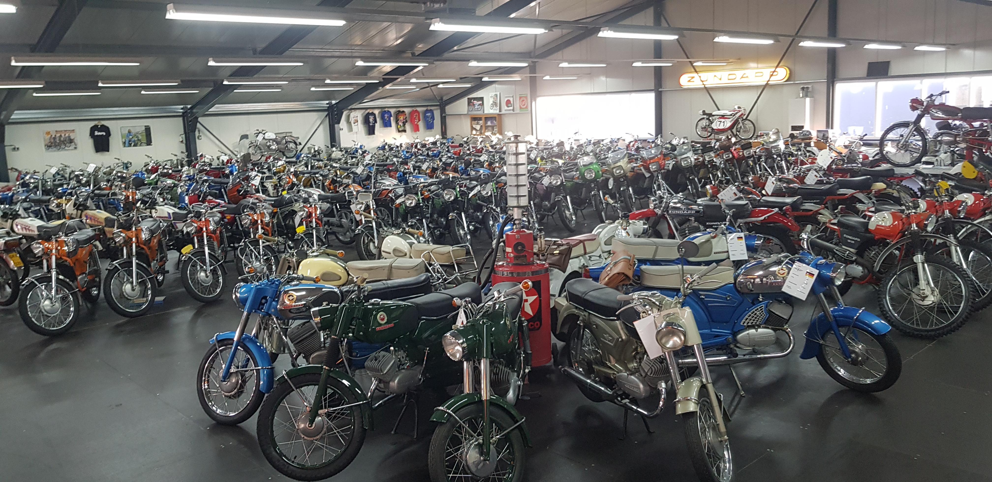 Brommer-en motormuseum-Wigchers-Schoonoord-Zundapp-verzameling