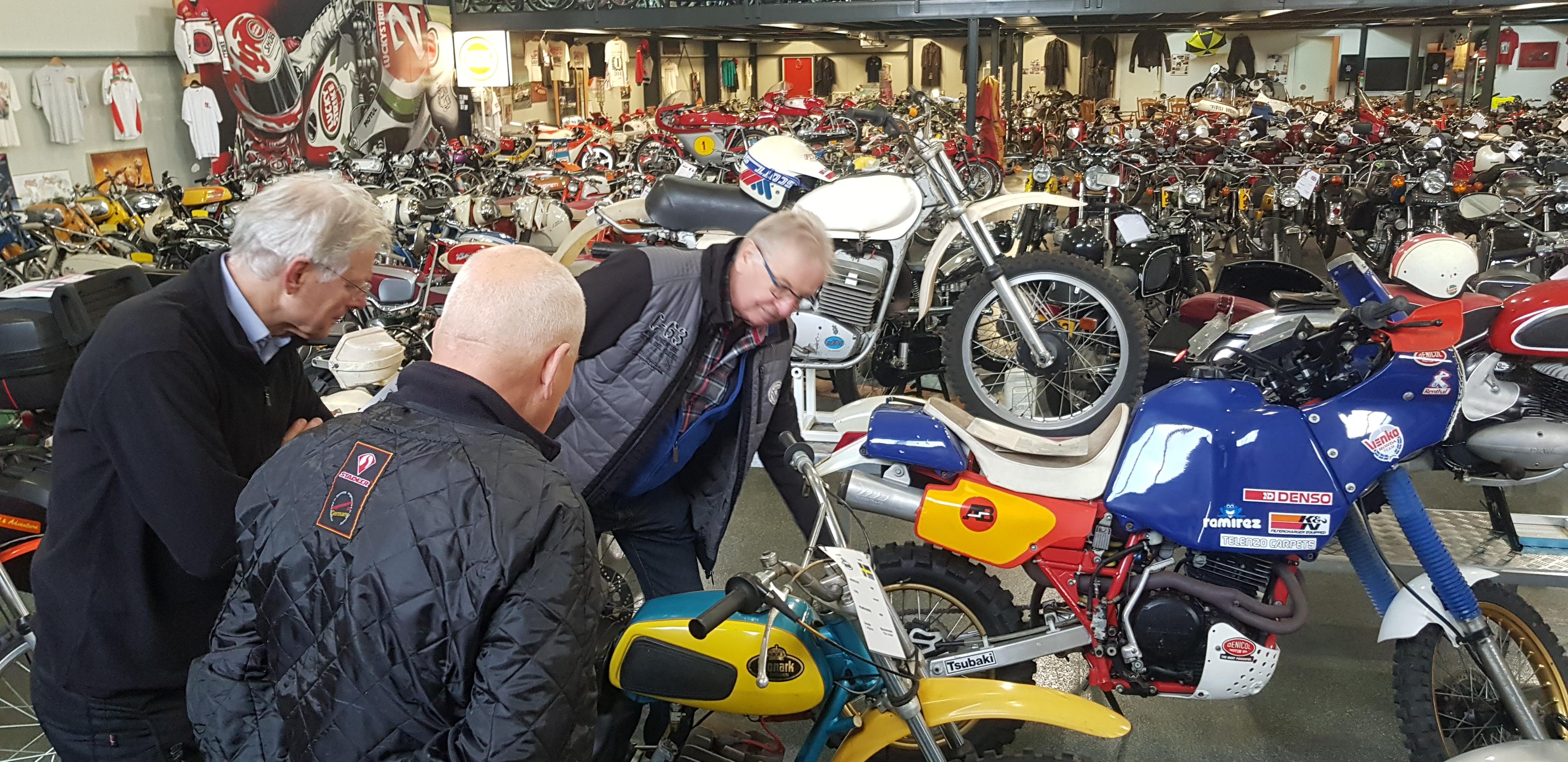 Brommer-en-motormuseum-Wigchers-Schoonoord-uitleg