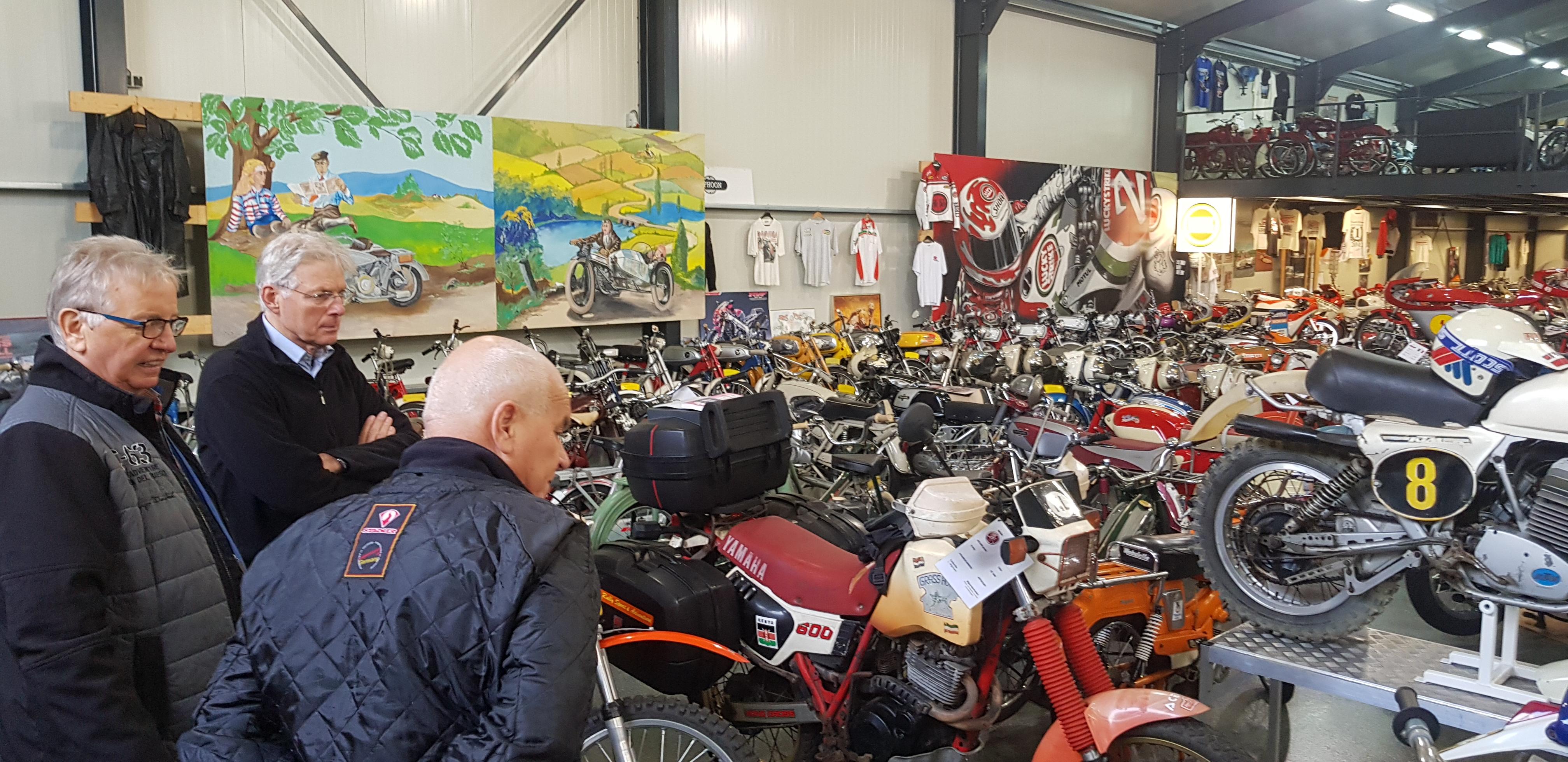 Brommer-en-motormuseum-Wigchers-Schoonoord-verbazing