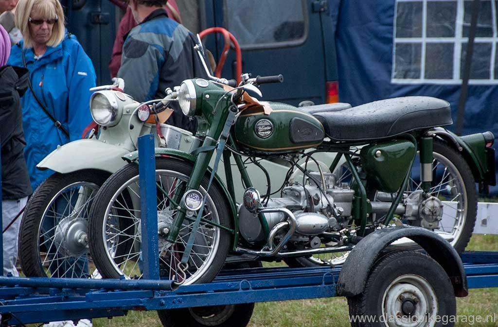 2013-netley-marsh-27-velocette-op-aanhanger