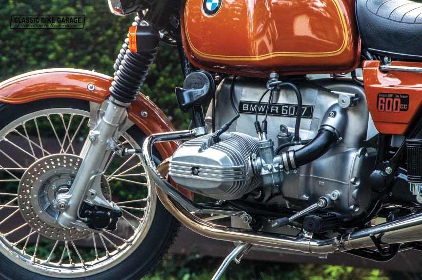 BMW-R60-7-voorkant-na-restauratie