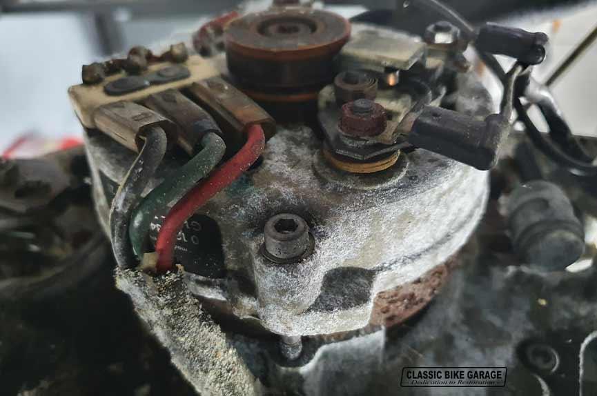 BMW-R60-7-dynamo-geoxideerd
