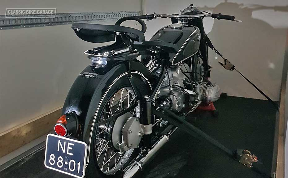 BMW-R67-na-restauratie-in-aanhanger