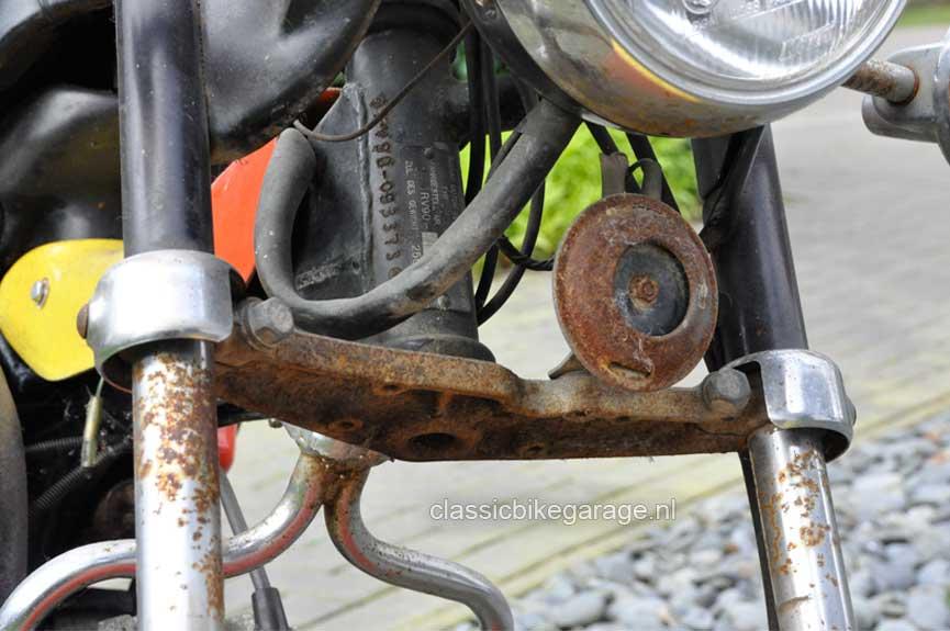 Suzuki-RV90-balhoofd-voor