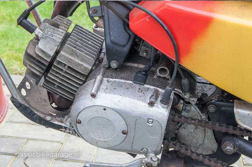 Suzuki-RV90-motorblok-links-voor