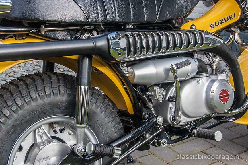Suzuki-RV90-rechterzijkant-na