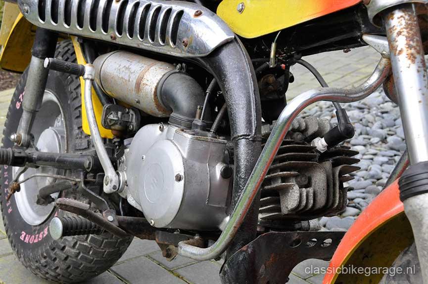 Suzuki-RV90-rechterzijkant-voorzijde-voor