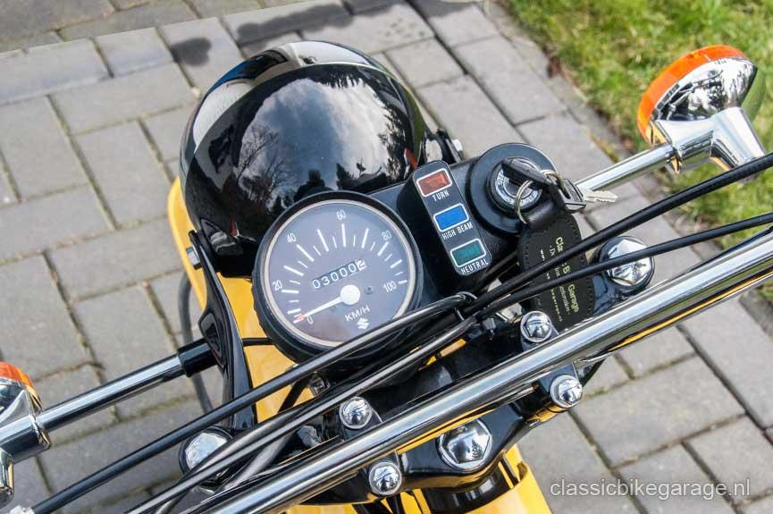 Suzuki-RV90-teller-na