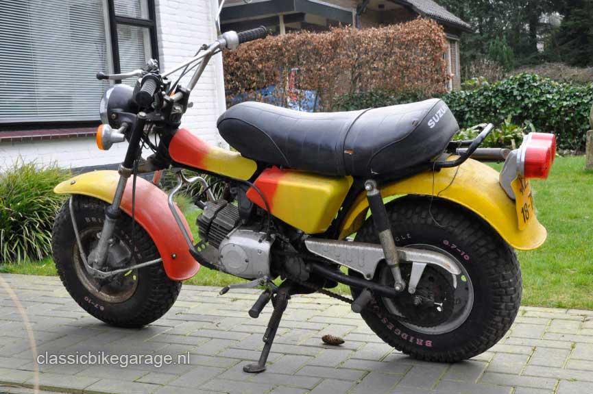 Suzuki-RV90-totaal-links-voor