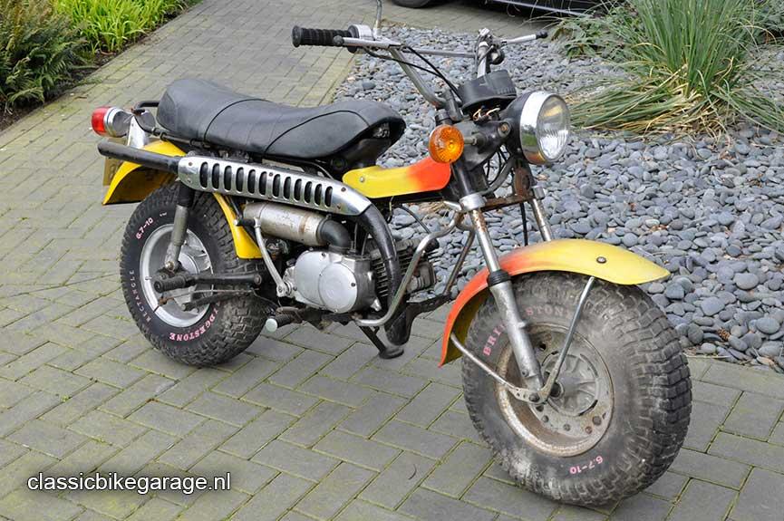 Suzuki-RV90-totaal-voor