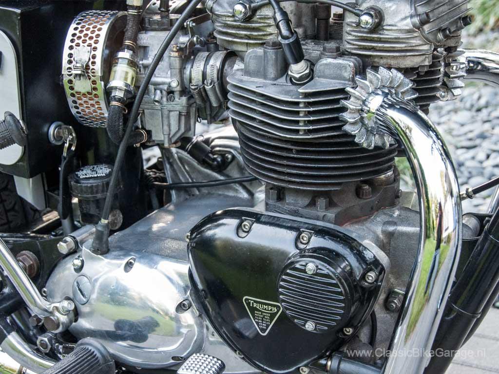 Triumph-T140-motorblok-rechts