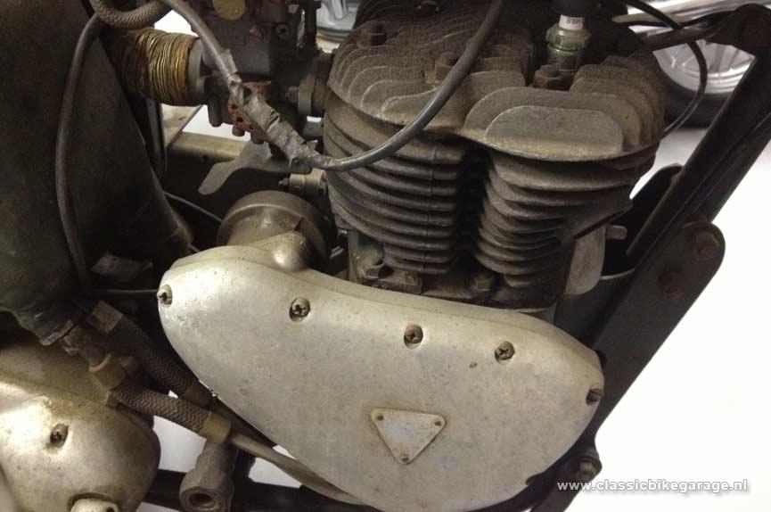 S1 Triumph-TRW500-motorblok