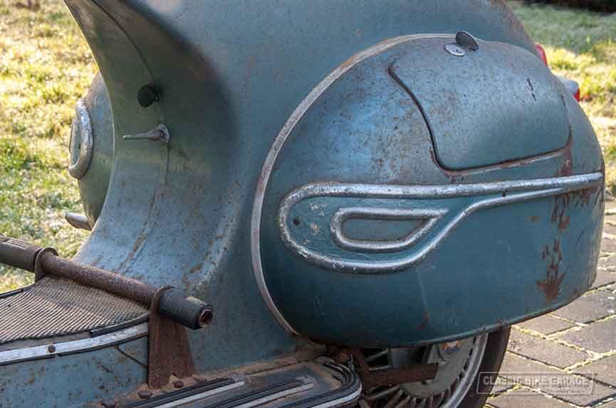 Vespa-150-GL-zo-uit-de-schuur-achterwiel