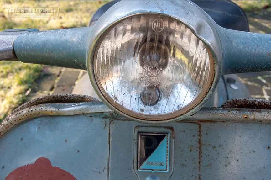 Vespa-150-GL-zo-uit-de-schuur-koplamp