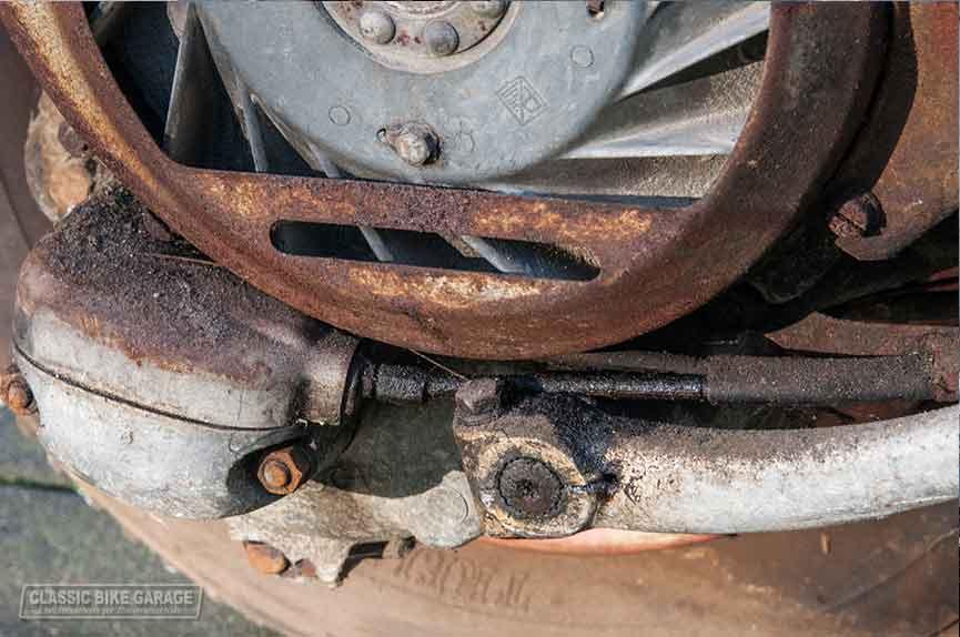 Vespa-150-GL-zo-uit-de-schuur-motor2